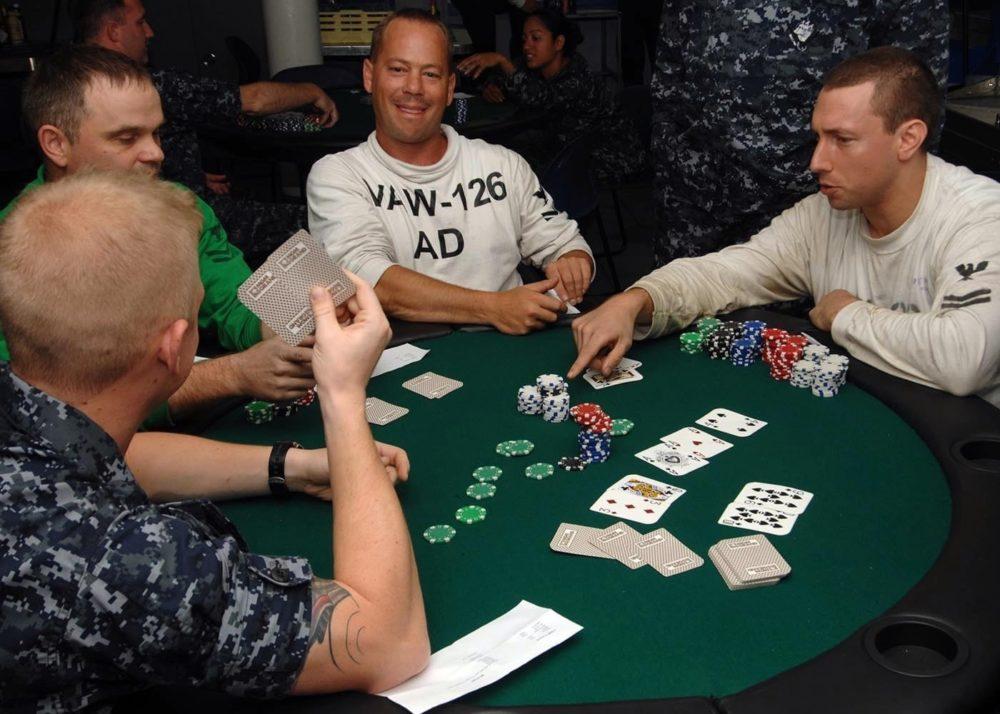 объявление ставки в покере